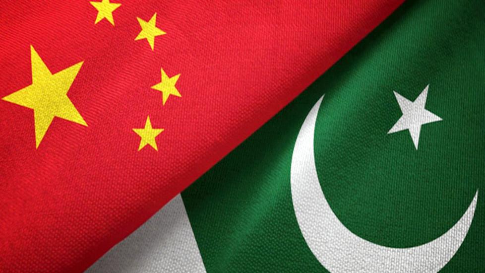 पाकिस्तानमा चिनियाँहरूको त्रास, एके–४७ बोकेर काममा